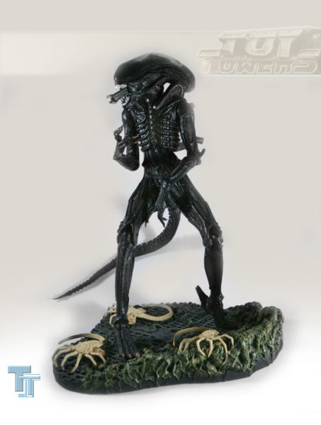 Mc Farlanes - 12 Alien & Facehugger (30 cm), lose